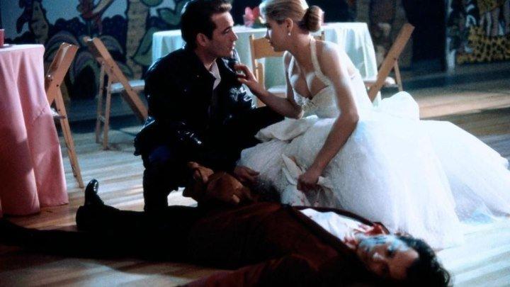 Баффи - истребительница вампиров . Ужасы, Боевик, Комедия.