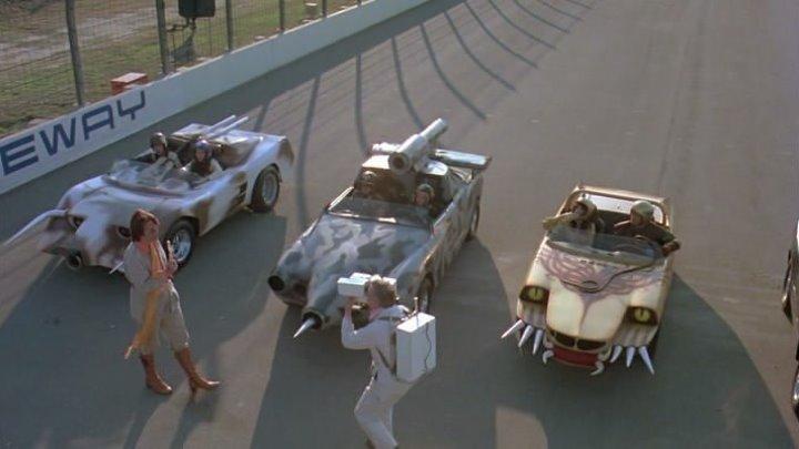 СМЕРТЕЛЬНЫЕ ГОНКА 2000 ГОДИ 1 1975 DVD HDRip ФАНТАСТИКА БОЕВИК
