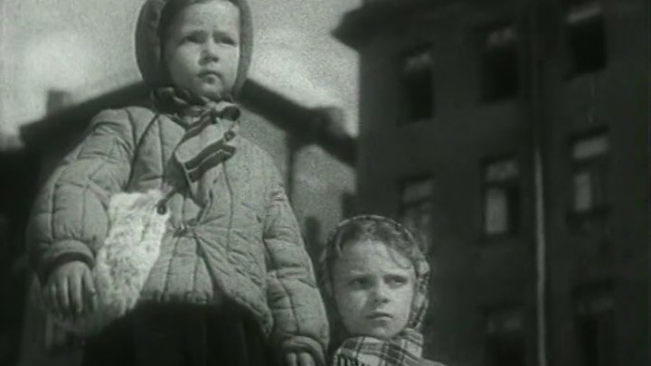 Жила-была девочка (1944) СССР драма, военный