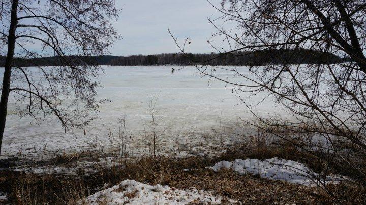 На озере Еловое .... 08.04.2017г .
