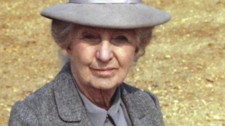 Мисс Марпл. Тело в библиотеке (1984) 1 серия из 2-х