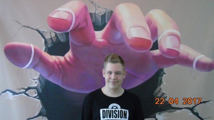 Здесь был Максим 3 сезон 9 выпуск на выставке 3D картин