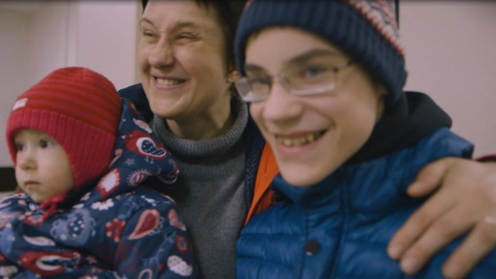 """Несколько дней в октябре. Третий фильм Катерины Гордеевой из документального сериала """"Измени одну жизнь"""""""