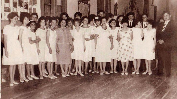 416. К ВЫПУСКУ 1965 года школы №3 города Моздок.