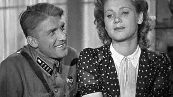 Парень из нашего города фильм 1942*
