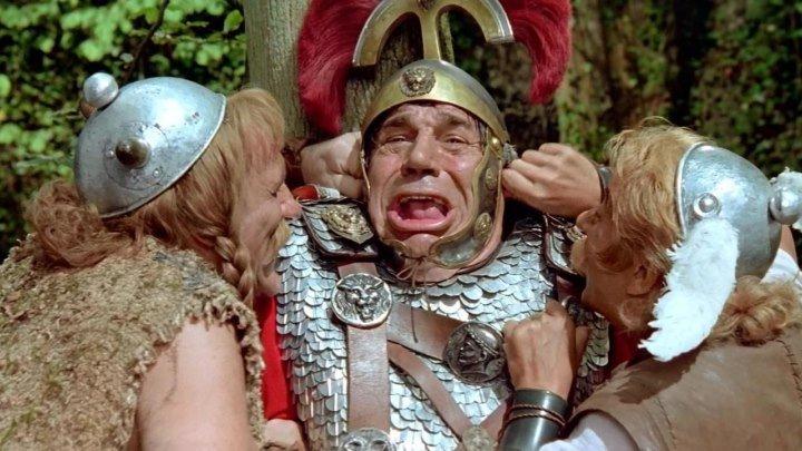 Астерикс и Обеликс против Цезаря 1999 комедия приключения