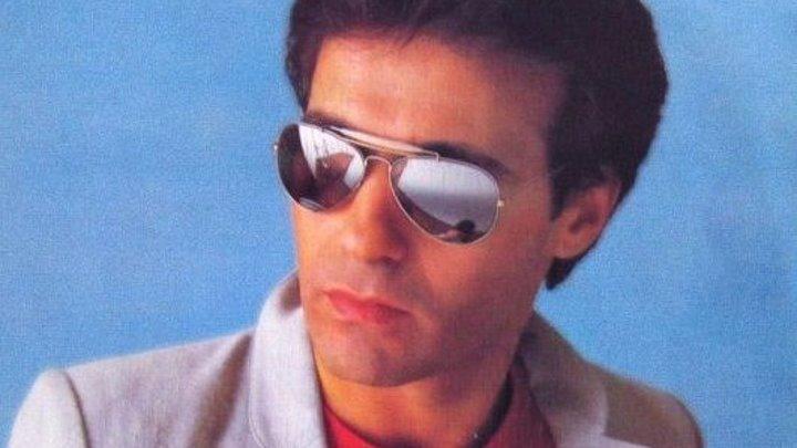 В 1982 году песня Words была признана номером 1 в Европе. F. R. David - Words.
