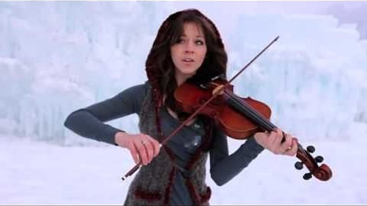 Красивая Девушка во льдах очень классно играет на скрипке в стиле дабстеп