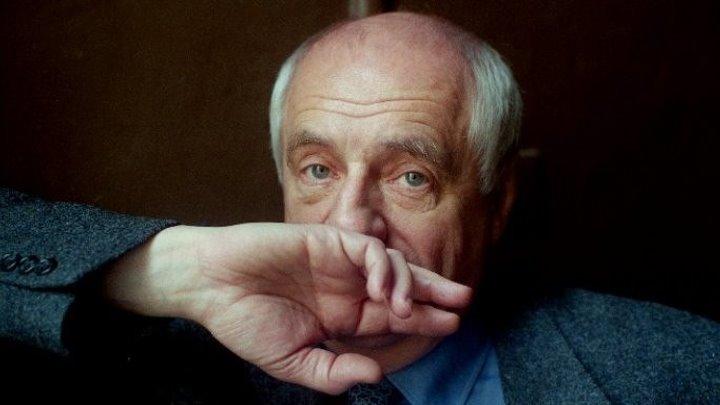 МАРК ЗАХАРОВ.Учитель,который построил дом.• 2008