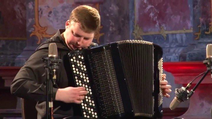 "Вивальди на баяне! ""Времена года"" Исполняет Александр Хрустевич"