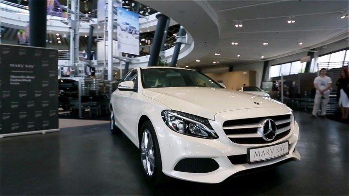 Вручение автомобиля Mercedes-Benz Национальному Лидеру Mary Kay® Елене Жебровской