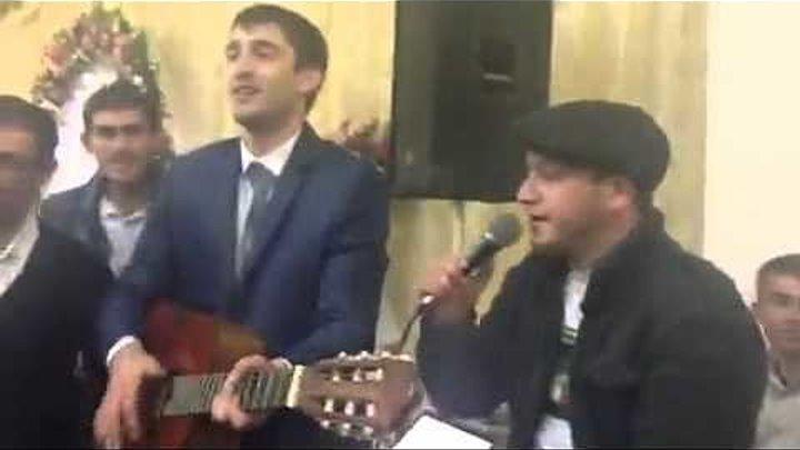 Спел на свадьбе очень красиво! Даже плачет