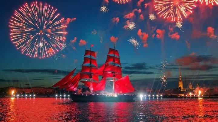 Кульминация Алых парусов_ корабль, море огня и страстные танцы - Россия 24