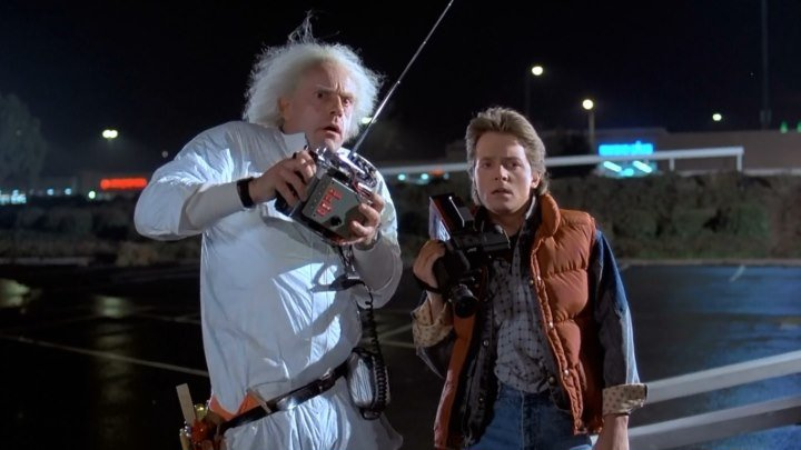 Назад в будущее HD(фантастика, приключенческий фильм)1985 (6+)