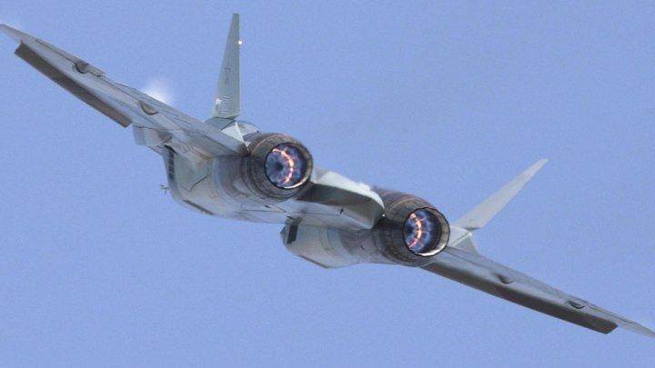 Первый полет истребителя Су-57 с новейшим двигателем