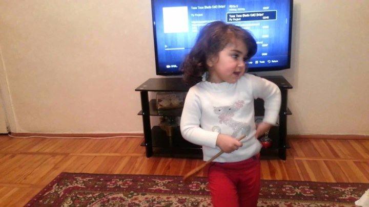 Маленькая армяночка зажигает!!!!