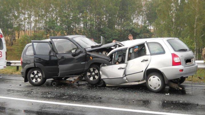 Автомобиль без водителя совершил тройное ДТП