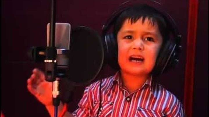 4 летний мальчик Взорвал интернет своей песней