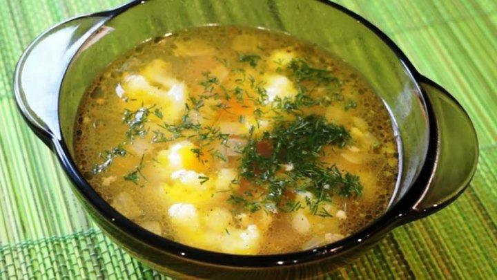 Куриный суп с цветной капустой, безумно вкусный и ароматный! Проще не придумаешь.