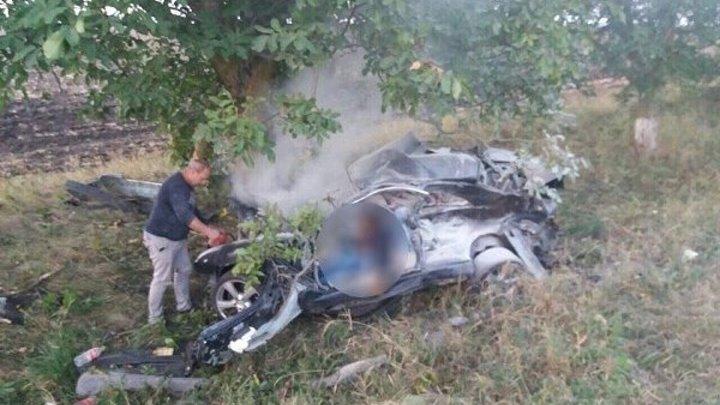 Pasagerii care au ars, azi dimineata, in accidentul de la Stefan Voda, erau frati, locuitori ai satului Antonesti - VIDEO