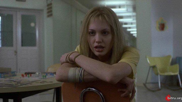 Прерванная жизнь / Girl, Interrupted (1999) Драма Биография