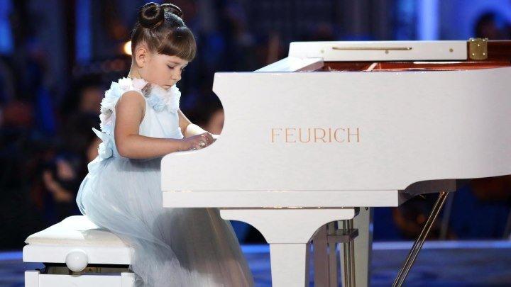 Такая маленькая пианистка - и такой большой талант! / Синяя птица/ Валерия Руденко. Л. Бетховен, «К Элизе»