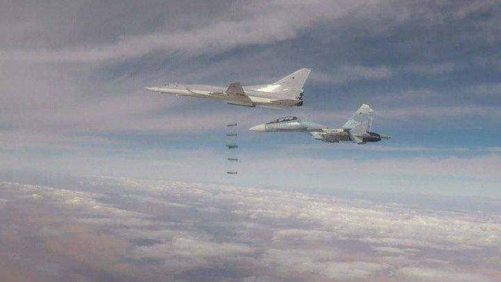 Ту-22М3 нанесли еще один групповой удар по игиловцам в Сирии.