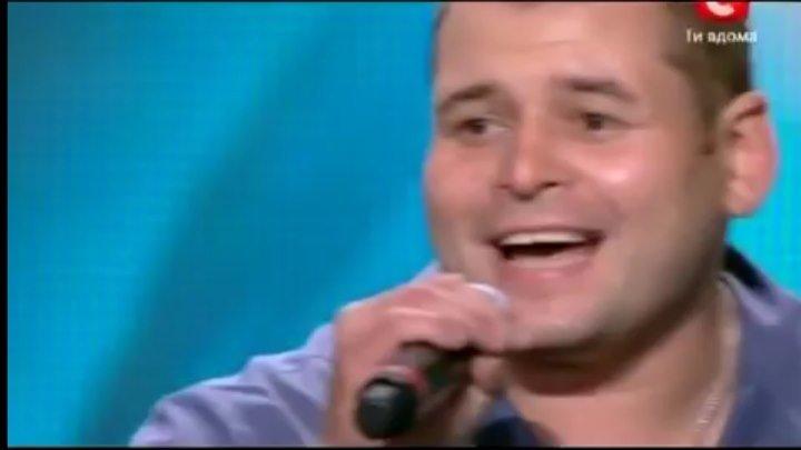 Очень красивый голос, замечательно спели ... А песня просто класс ....