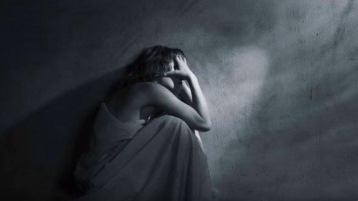 """Красивый грустный стих про """"Одиночество"""""""