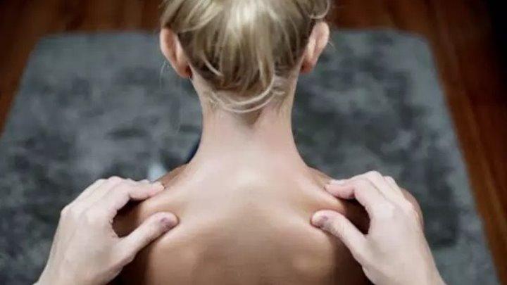Делаем идеальный расслабляющий массаж: нужно знать всего пять движений