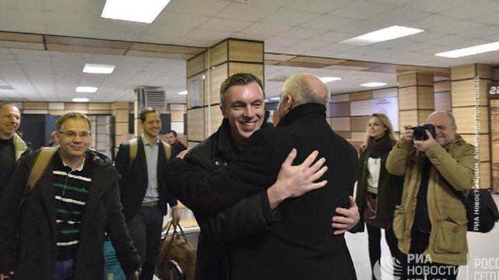 Немецкие депутаты приехали в Крым обсуждать отмену санкций.