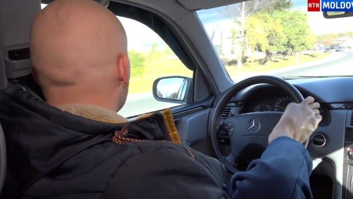 Conduce mașina cu...PICIOARELE