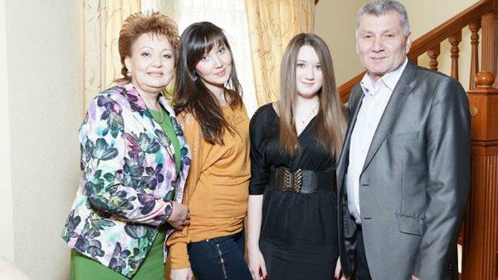 Хания Фархи и дочь Алия Гараева - Утыр эле Эни Яннарыма....