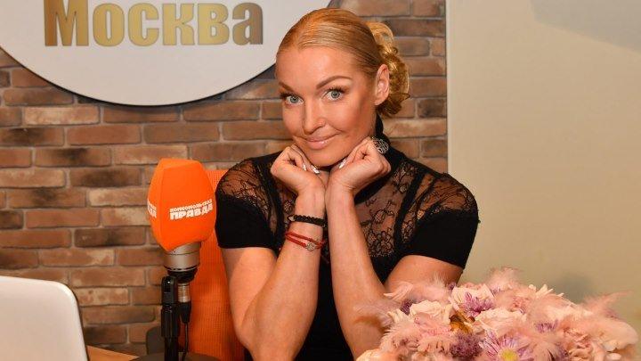 Как бывший любовник Волочковой опубликовал ее интимные фото