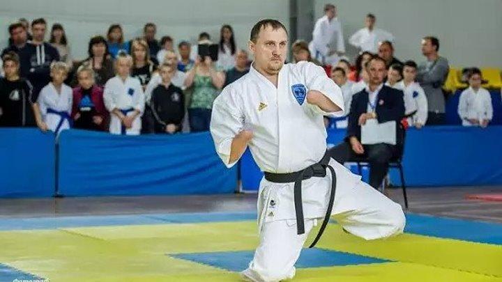 Российский спортсмен без рук и ног выиграл золото и бронзу чемпионата мира по карате.