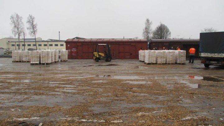 Новый контрабандный рекорд... Литовские таможенники нашли в поезде из Беларуси контрабанду сигарет на 380 тысяч евро