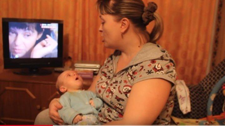 Трёхмесячный малыш поёт Жили у бабуси!!!!
