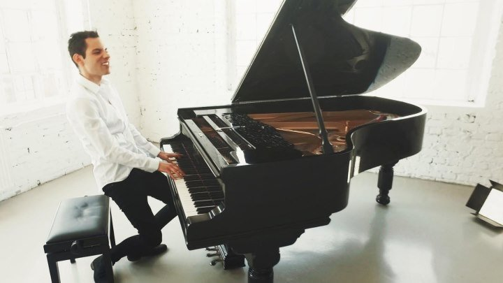 Вот это да! Пианист очень классно играет песню Майкла Джексона!