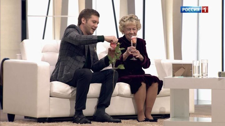 Самая известная бабушка России – так актрису Александру Назарову стали называть после роли бабы Нади в известном сериале.
