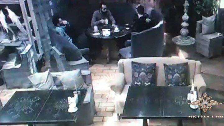 Школьный повар опоил клофелином и ограбил москвича в ресторане на Рублевке