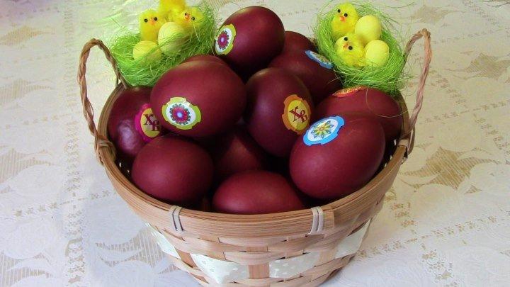 Готовимся к Пасхе красим яйца луковой шелухой