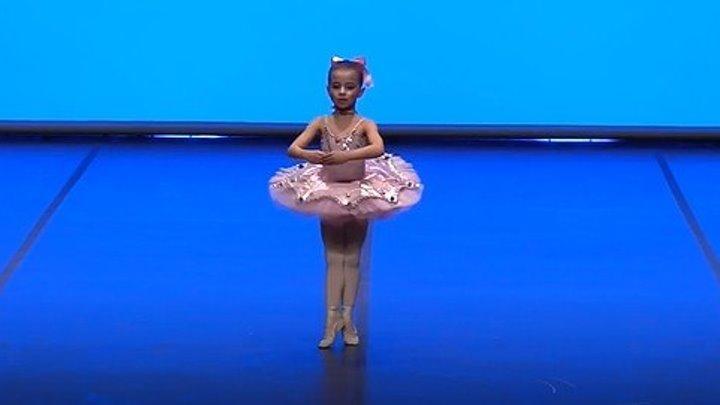 Маленькая балерина, 6 лет!