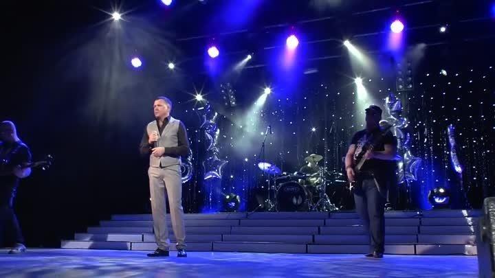 До слёз тронула песня и исполнение ! Дай БОГ здоровья всем МАМОЧКАМ !`