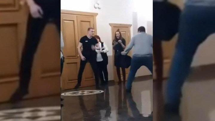 Агрессивный поклонник напал на охрану Ольги Бузовой в Хабаровске