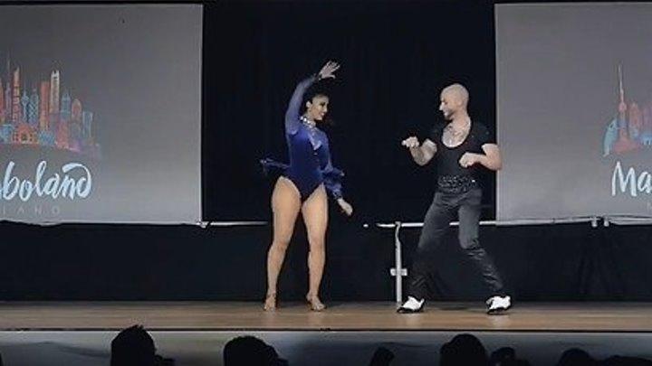 Танцуют РОК-н-Ролл! Крышу сносит