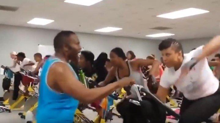 Вот это тренер по фитнесу