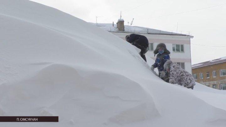 """Сюжет из ТВ программы """"Эхо Дня"""" от 31.01.2018. Омсукчан под снегом."""