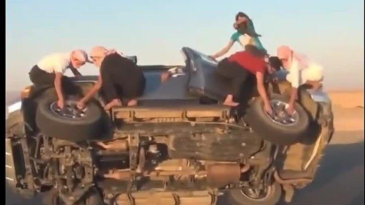 Дамы сняли колеса на ходу