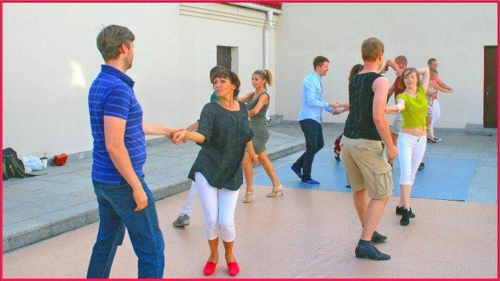 "Школа танцев ""Dance Cafe"". Минск. Пешеходка. 5 августа 2017г. 6ч.(50). Танцы на террасе. Беларусь."