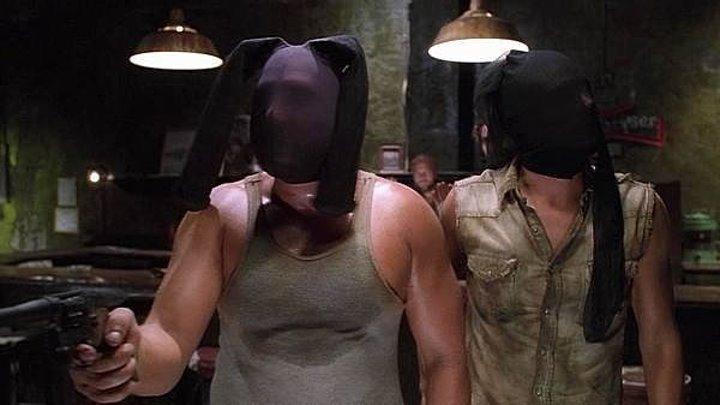 Большие неприятности (2002)